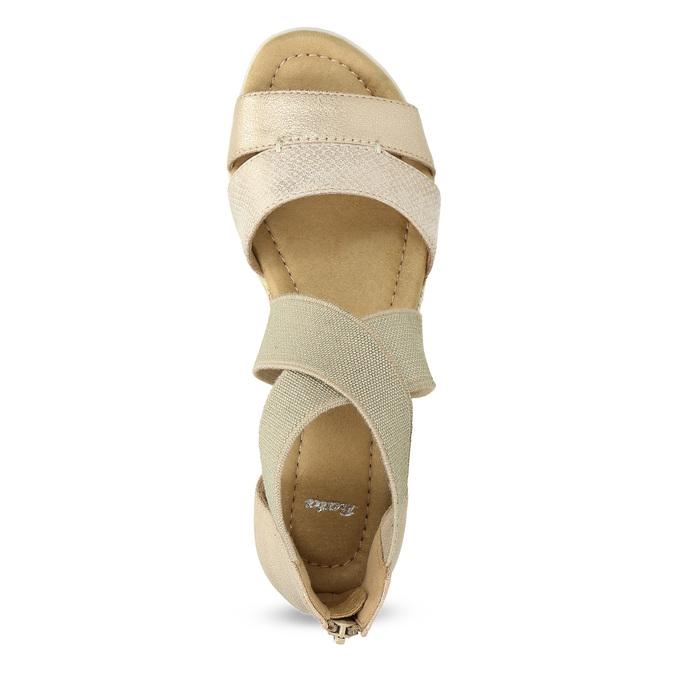 Złote sandały damskie na koturnach bata, beżowy, 569-8608 - 17