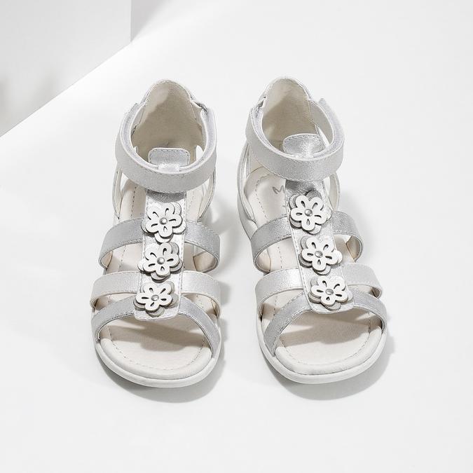 Srebrne sandały dziewczęce zkwiatkami mini-b, srebrny, 261-1614 - 16